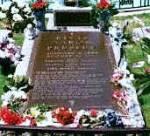What year did Elvis die?