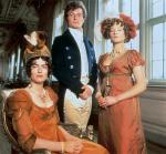 Which of Mr. Bingley's sister's loves Mr. Darcy?