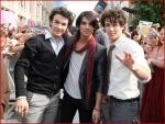The Jonas Brothers Body Guard names is..