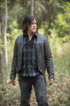 """What is """"Daryl Dixon's"""" go to weapon?"""