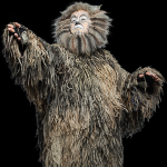 Old Deuteronomy decides that Victoria will be reborn into a new Jellicle life.