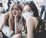 Oh hi Rose and Jennie! Care to say hello to everglow?